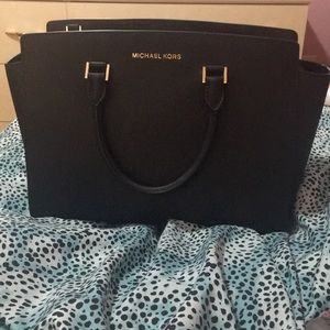 Michael Kors Selma Large Leather Bag